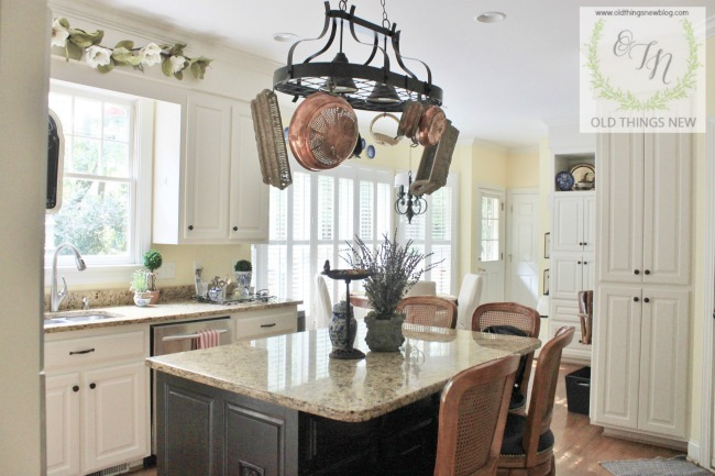Kitchen with french touches 016